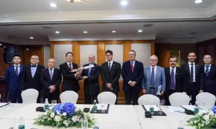 Ιστορική συμφωνία για απευθείας αεροπορική σύνδεση Αθήνας – Σαγκάης