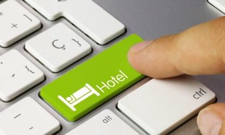 Booking.com: Προβληματισμός για τις αλλαγές που σχεδιάζει στο τμήμα Εμπειριών