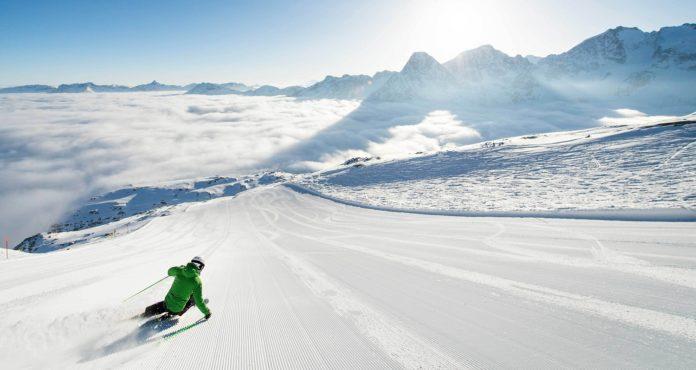 Θετική η τουριστική κίνηση των χιονοδρομικών κέντρων της χώρας