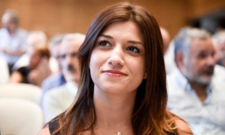 """""""Το σχέδιο της κυβέρνησης για τον κλάδο του τουρισμού είναι να τον εγκαταλείψει αβοήθητο""""   Κατερίνα Νοτοπούλου."""