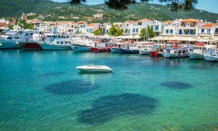 H Ελλάδα είναι έτοιμη για θερινό τουρισμό, γράφει η μεγαλύτερης κυκλοφορίας εφημερίδα Kronen Zeitung