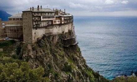 Τουρισμός Άνοιξε  το Άγιον Όρος για τους προσκυνητές