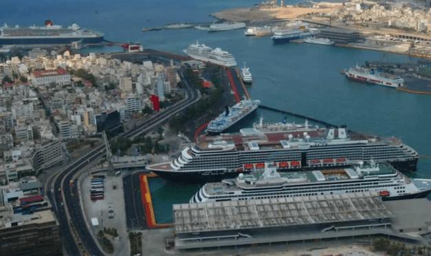 Αυξημένη η κίνηση στο λιμάνι του Πειραιά σήμερα
