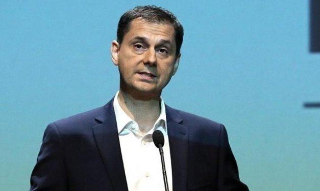 Θεοχάρης στο ITV News: Πιο ασφαλείς οι διακοπές φέτος στην Ελλάδα