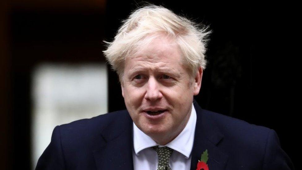 «Μείνετε στο σπίτι» από την Πέμπτη, λέει ο πρωθυπουργός  της  Αγγλίας Μπόρις Τζόνσον