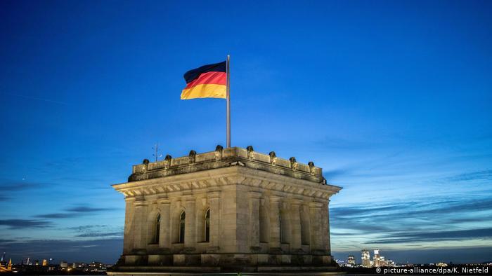 Παράθυρο στην καραντίνα για όσους επιστρέφουν από χώρες «ειδικής συμφωνίας» και με αρνητικό τεστ για την Γερμανία