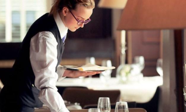 Oι ξενοδόχοι ζητούν να γίνει από το κράτος η πληρωμή της αποζημίωσης και επιδόματος αδείας των ξενοδοχοϋπαλλήλων