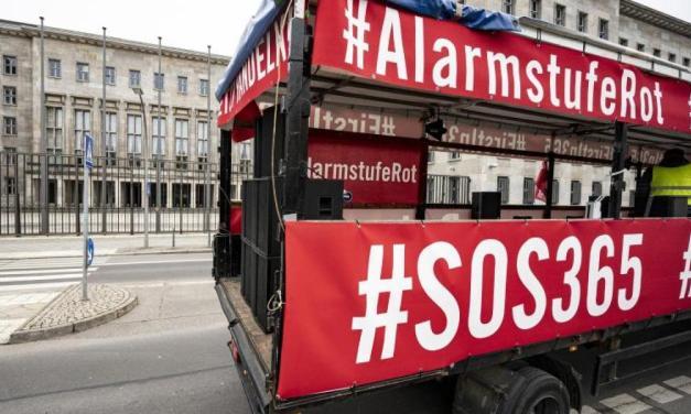 Μέτρα στήριξης ζητεί ο γερμανικός κλάδος πολιτιστικών εκδηλώσεων