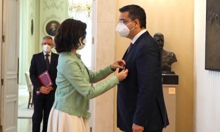 Με το Διεθνές Μετάλλιο της Μαδρίτης βραβεύτηκε ο Πρόεδρος της Ευρωπαϊκής Επιτροπής των Περιφερειών,Απόστολος Τζιτζικώστας