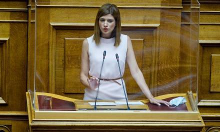 Κ. Νοτοπούλου : Ουρές χιλιομέτρων και ταλαιπωρία ταξιδιωτών στις χερσαίες πύλες εισόδου