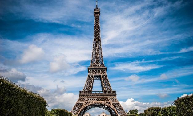 Άνοιξε ξανά για το κοινό ο πύργος του Άιφελ