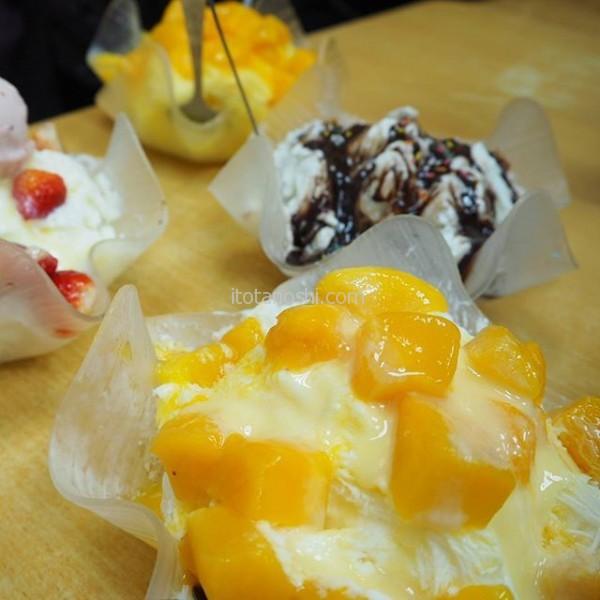 台北でのお楽しみはかき氷。我が家行きつけは西門町の三兄弟。マンゴー、ストロベリー、チョコレート。マンゴーは冷凍だけどね。ここの氷が美味しい!