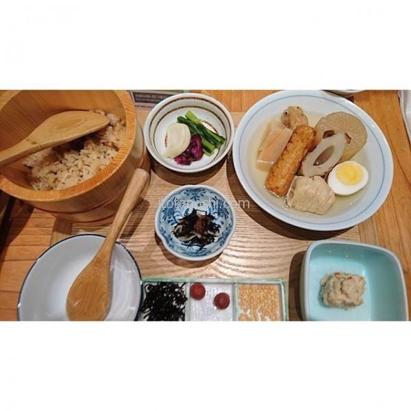 #羽田空港 #銀座 #おぐ羅 の #おでん で #朝ご飯 。