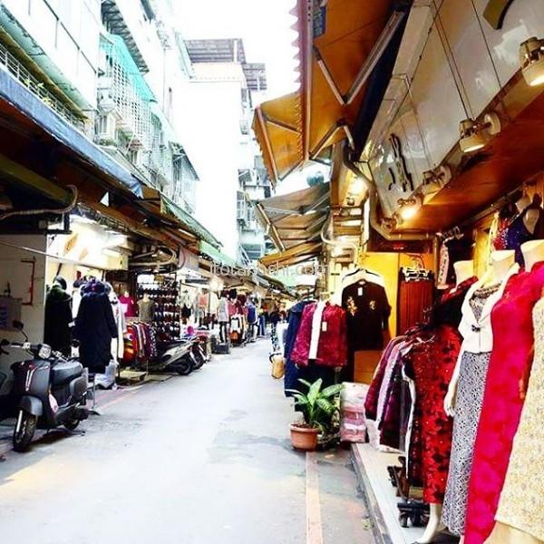 #五分埔服飾広場コートが欲しいと言うので服飾の問屋街へ。#台湾 #台北 #松山