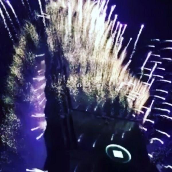 台北101の真下から見る花火は、星が降ってくるようだった!#台湾 #台北 #花火 #跨年 #101 #あけおめ #新年 #おめでとう #新年快樂 #2017 #Taiwan  #Taipei #firework