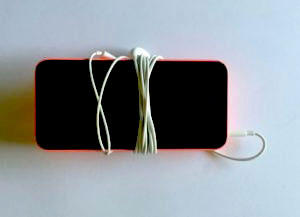 iphone thinks headphones are plugged in earphone cable wrapped around the iphone