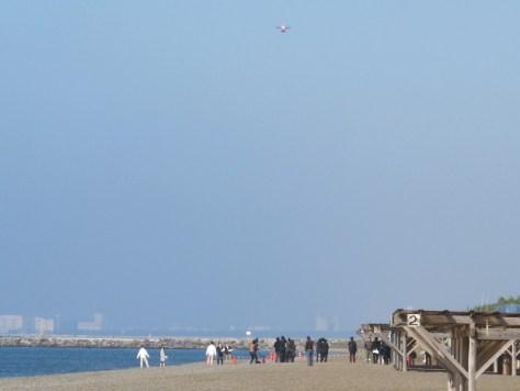 稲毛海浜公園の砂浜からドローンが発進