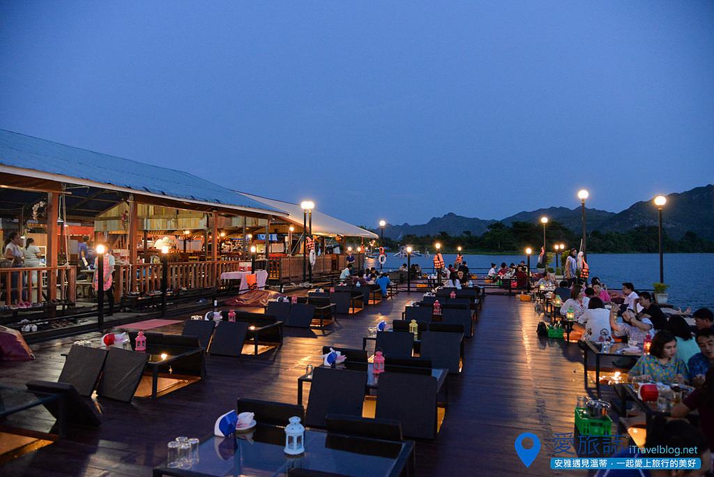 《北碧府餐廳推薦》Dejtosapak Restaurant:美功河畔的河景親水餐廳,享用無敵夕陽美景的晚餐。