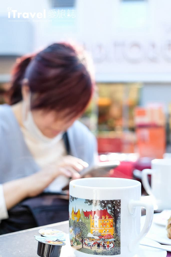 《慕尼黑美食推薦》Cafe Münchner Freiheit一杯黑咖啡搭配德式麵包,享受戶外暖陽與好友們相聚時光