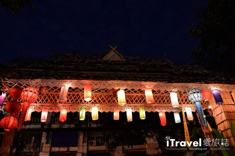 《清邁水燈節》三王紀念碑廣場揭開節慶序曲,油燭光影點點虔誠祈福
