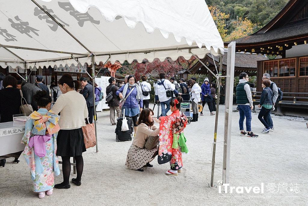 《京都市集即景》上賀茂神社手作市集:紅葉環繞的生活集市