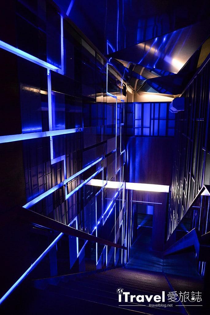 《曼谷高空酒吧》ZOOM Sky Bar & Restaurant:安納塔拉公寓酒店樓頂,360度環繞天台景觀。