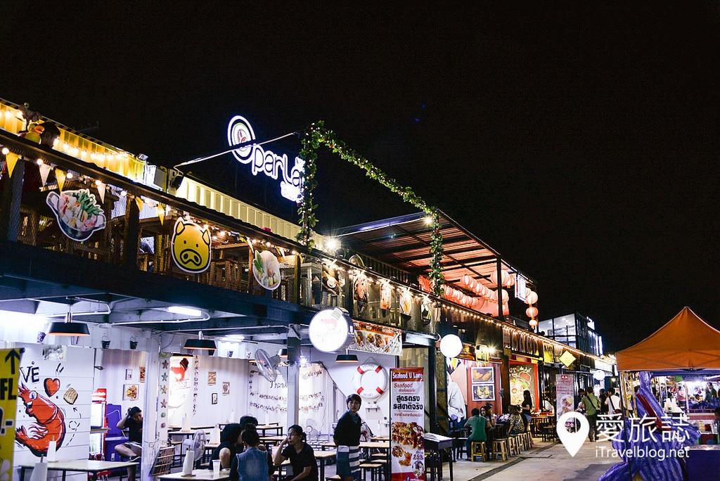 《曼谷夜市集景》卡瑟特納瓦敏火車夜市:便宜草根在地夜市