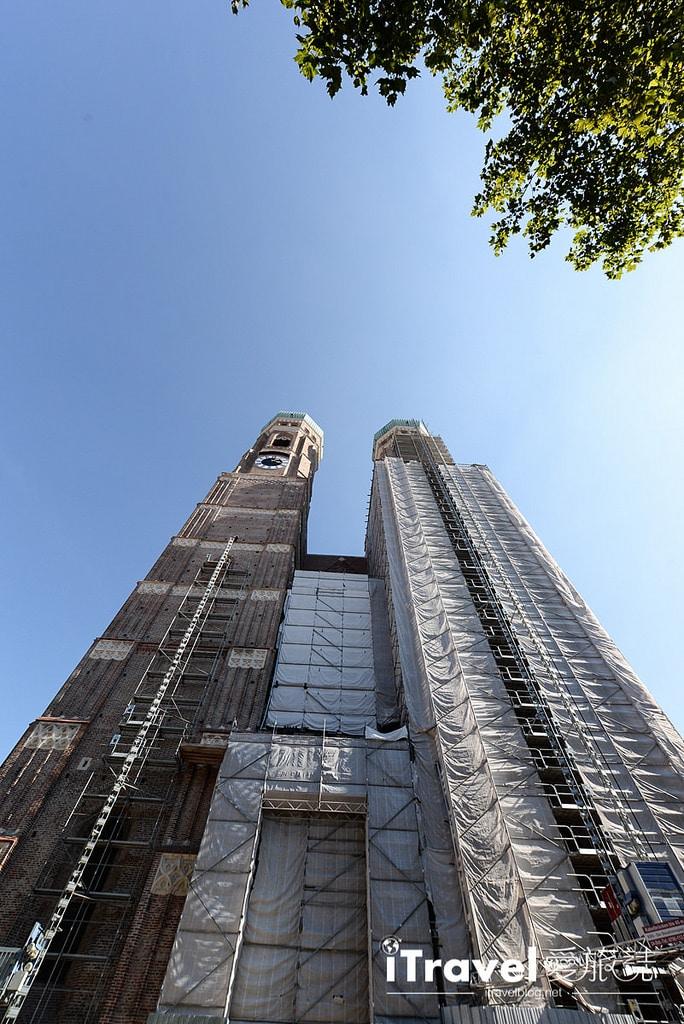 《慕尼黑景點推薦》聖母主教座堂:瑪麗亞廣場鬧中取靜景點