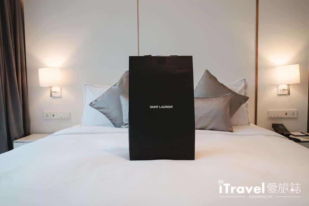 Saint Laurent Niki Bag Large (19)