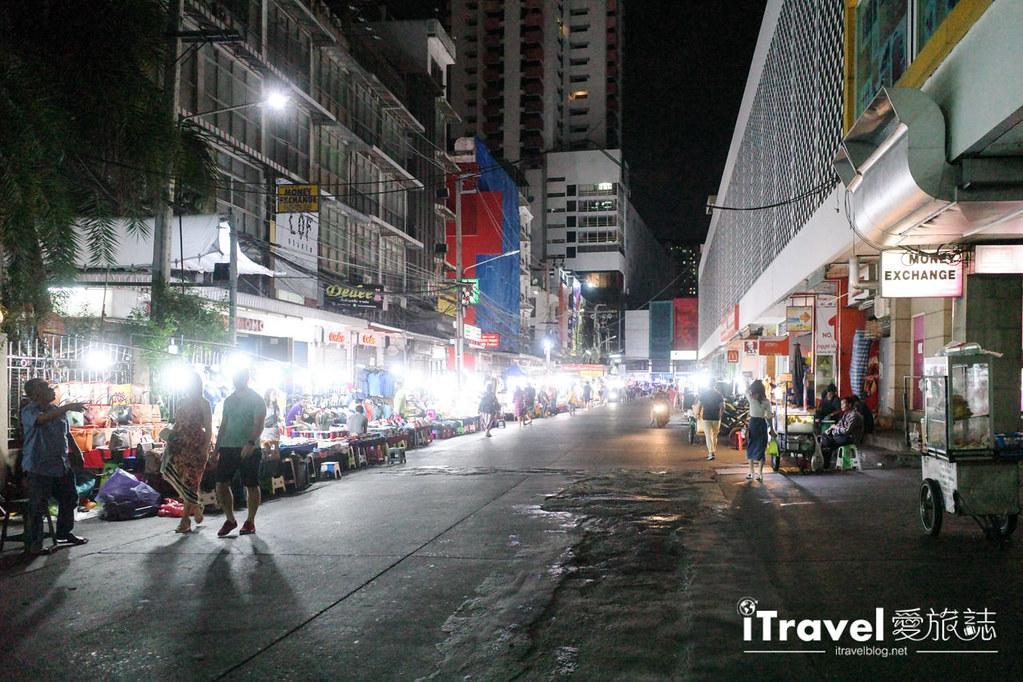 曼谷水門市場夜市 PratuNam Market (2)