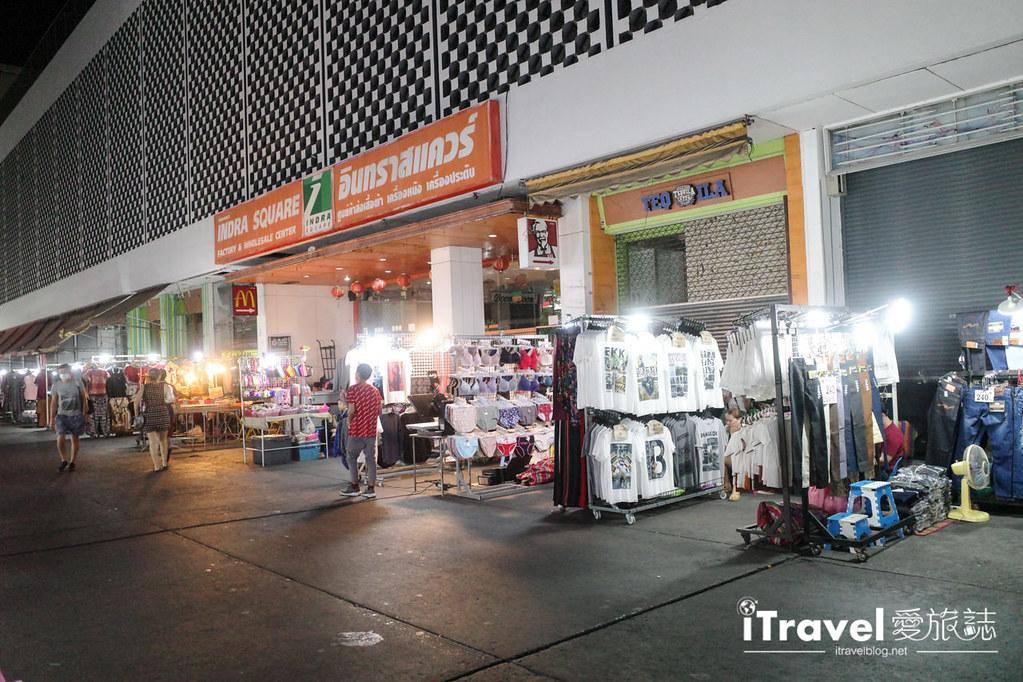 曼谷水門市場夜市 PratuNam Market (11)