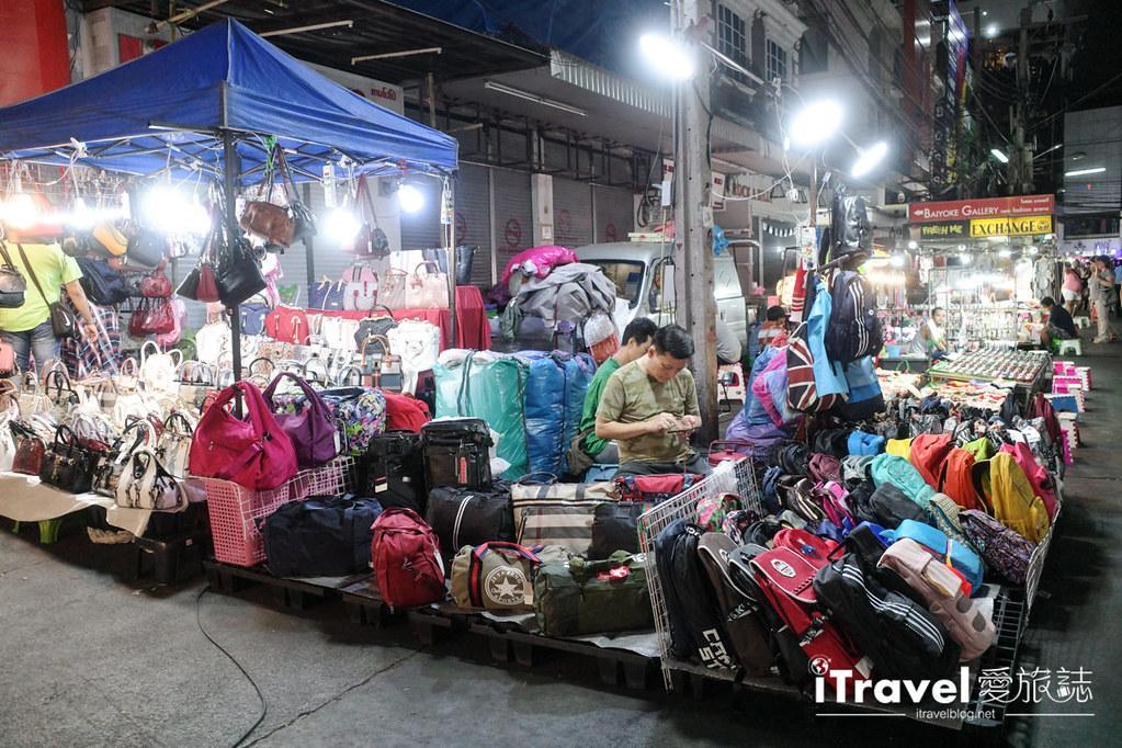 曼谷水門市場夜市 PratuNam Market (17)