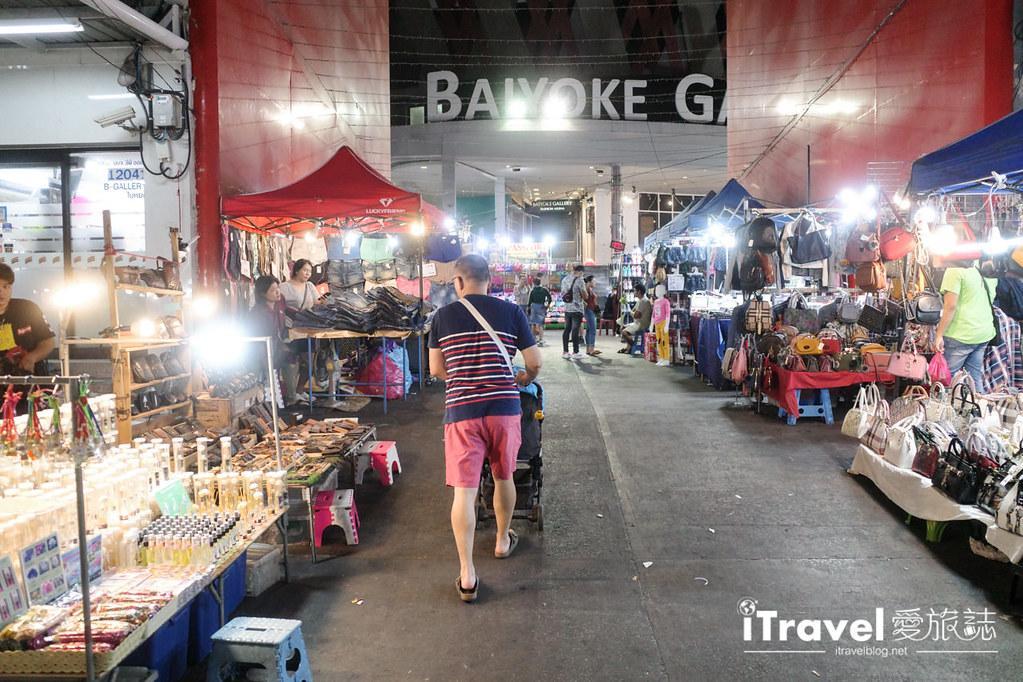 曼谷水門市場夜市 PratuNam Market (18)