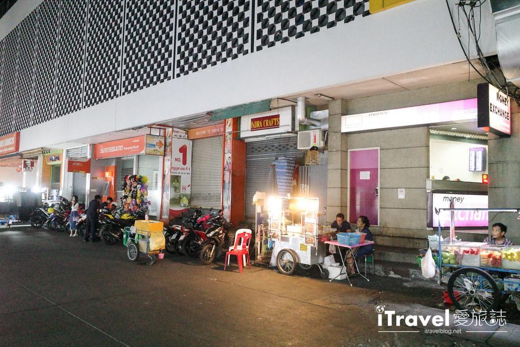 曼谷水門市場夜市 PratuNam Market (3)