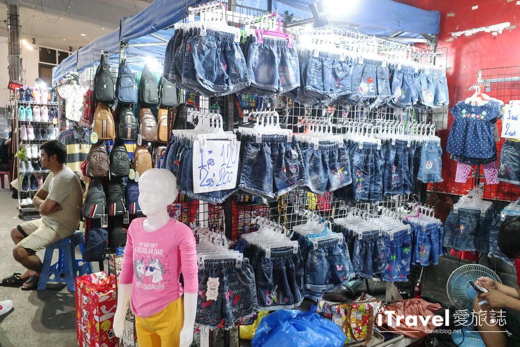 曼谷水門市場夜市 PratuNam Market (22)