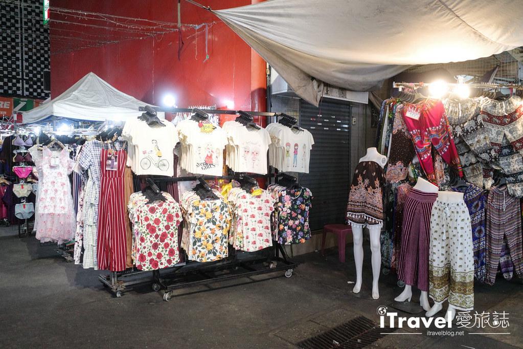 曼谷水門市場夜市 PratuNam Market (24)