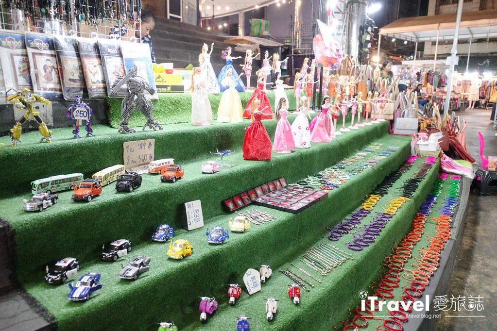 曼谷水門市場夜市 PratuNam Market (25)
