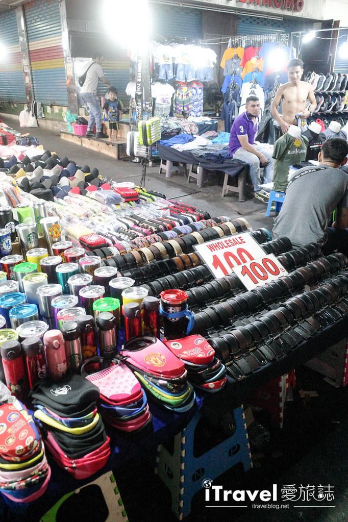 曼谷水門市場夜市 PratuNam Market (4)