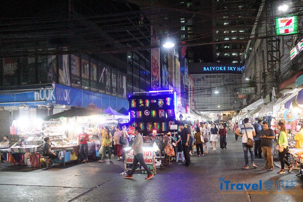 曼谷水門市場夜市 PratuNam Market (1)