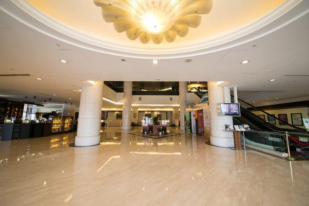 Evergreen Plaza Hotel 2