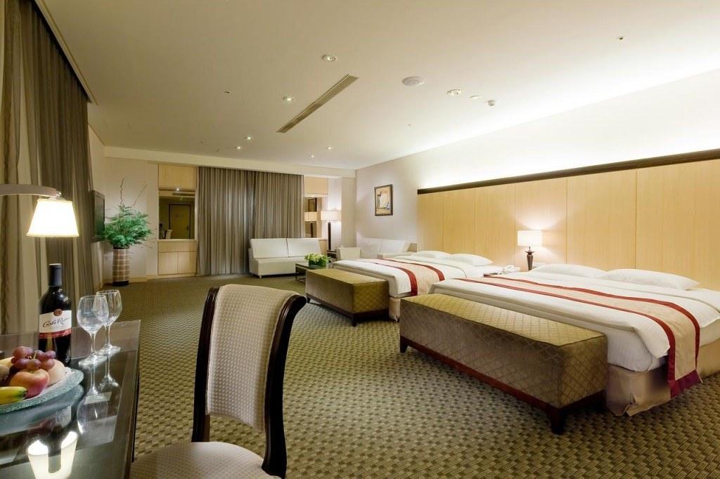 Queena Plaza Hotel 3