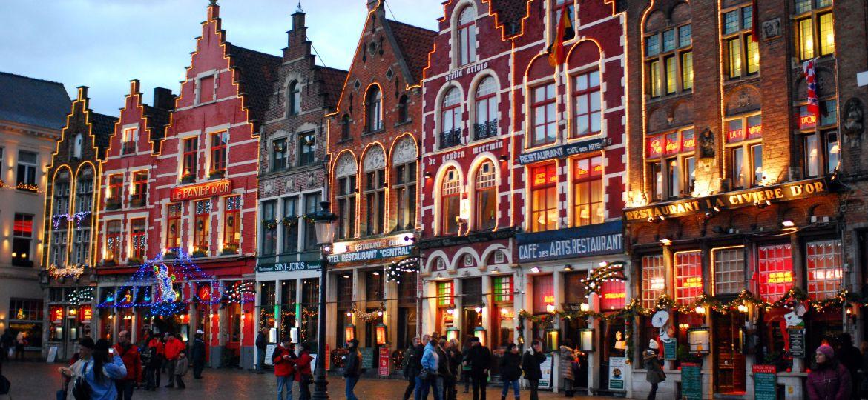 Μπριζ: Παραμυθένια Χριστούγεννα στην πιο ατμοσφαιρική πόλη της Ευρώπης!