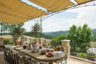 Relais Borgo Santo Pietro: Το μαγικό ξενοδοχείο του 13ου αιώνα στην Τοσκάνη - iTravelling