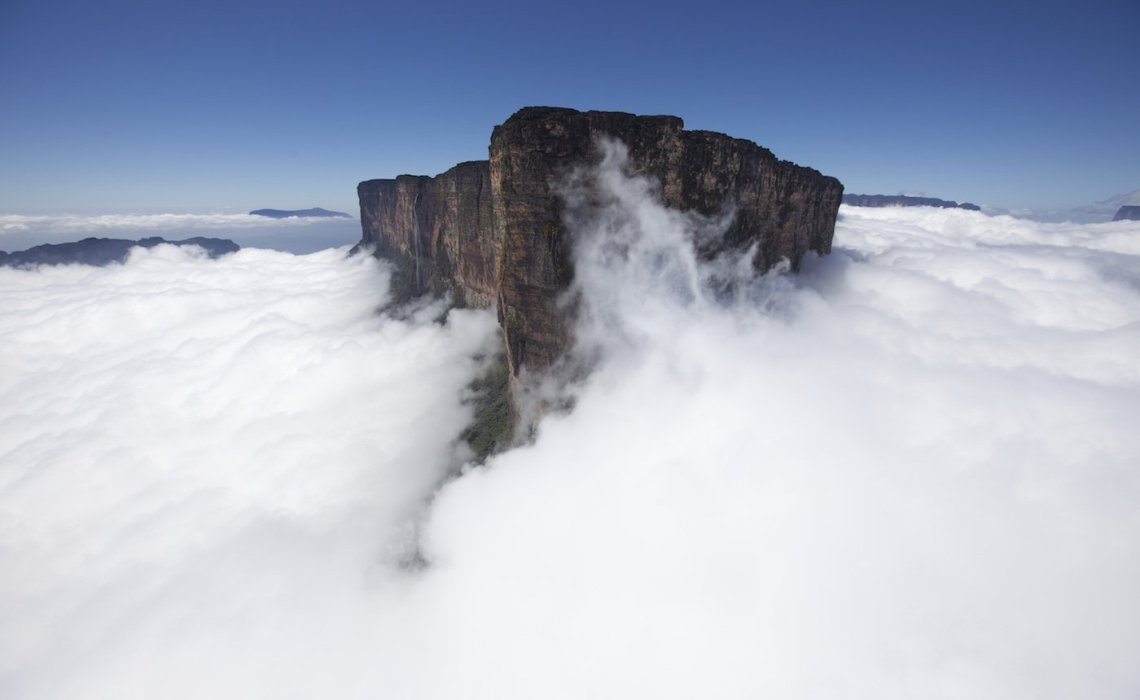 Roraima: Το επιβλητικό βουνό που χωρίζει τρεις χώρες - iTravelling