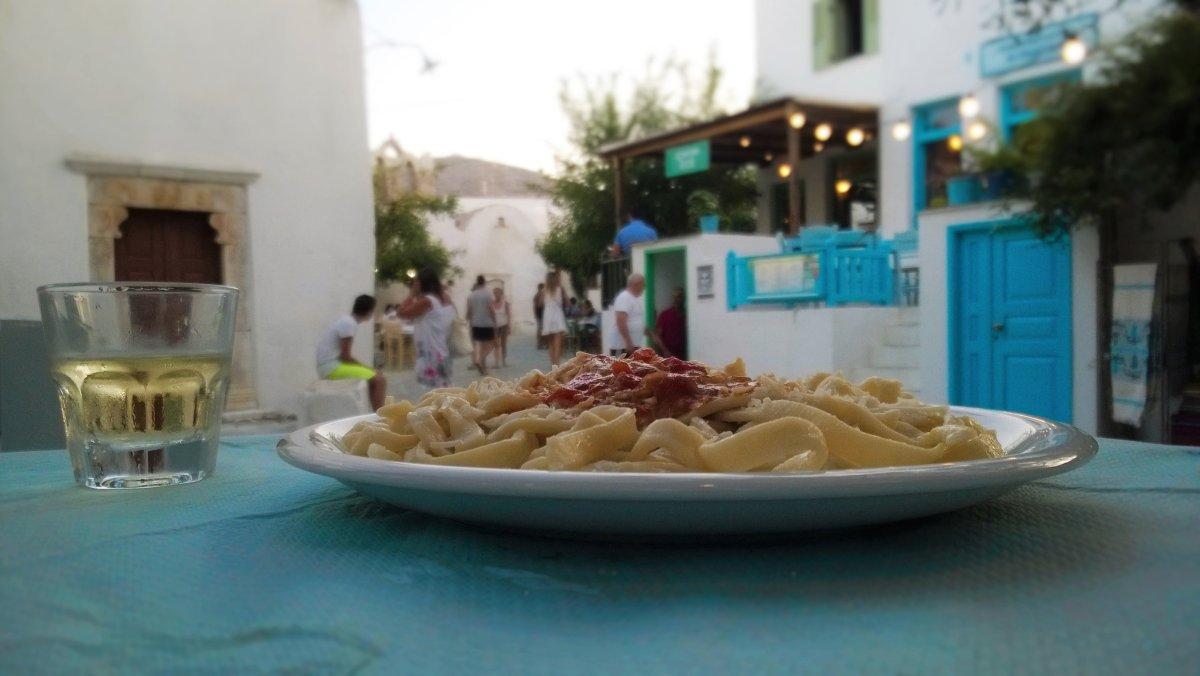 Τι θα φάμε στη Φολέγανδρο: Τα 4 must πιάτα του νησιού