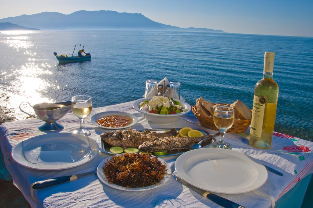 Τα 10 κορυφαία πιάτα της ελληνικής κουζίνας για την Telegraph - iTravelling