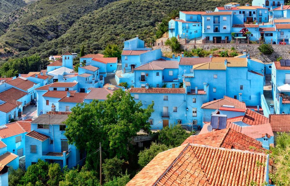 Juzcar: Ταξίδι στο στρουμφοχωριό στην Ανδαλουσία - iTravelling