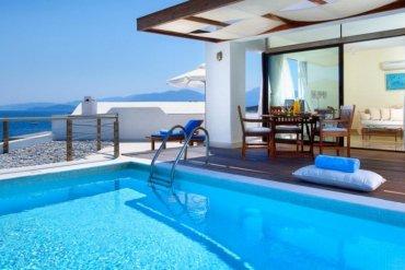 Τα 3 καλύτερα παραθαλάσσια ξενοδοχεία στην Ελλάδα - iTravelling