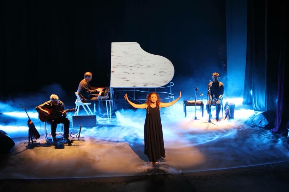 Τα 5 Στοιχεία: Μια διαφορετική παράσταση στο θέατρο Αλκμήνη - iTravelling