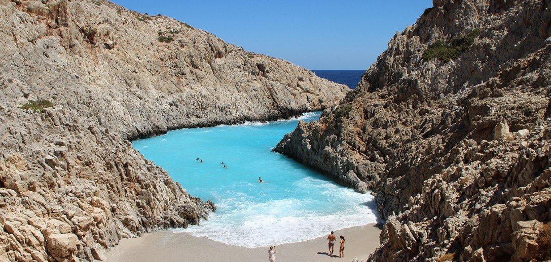 40 μοναδικές παραλίες σε περιμένουν σε ένα μόνο νησί! Ακόμα εδώ είσαι;